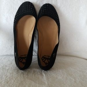 Flats with studs